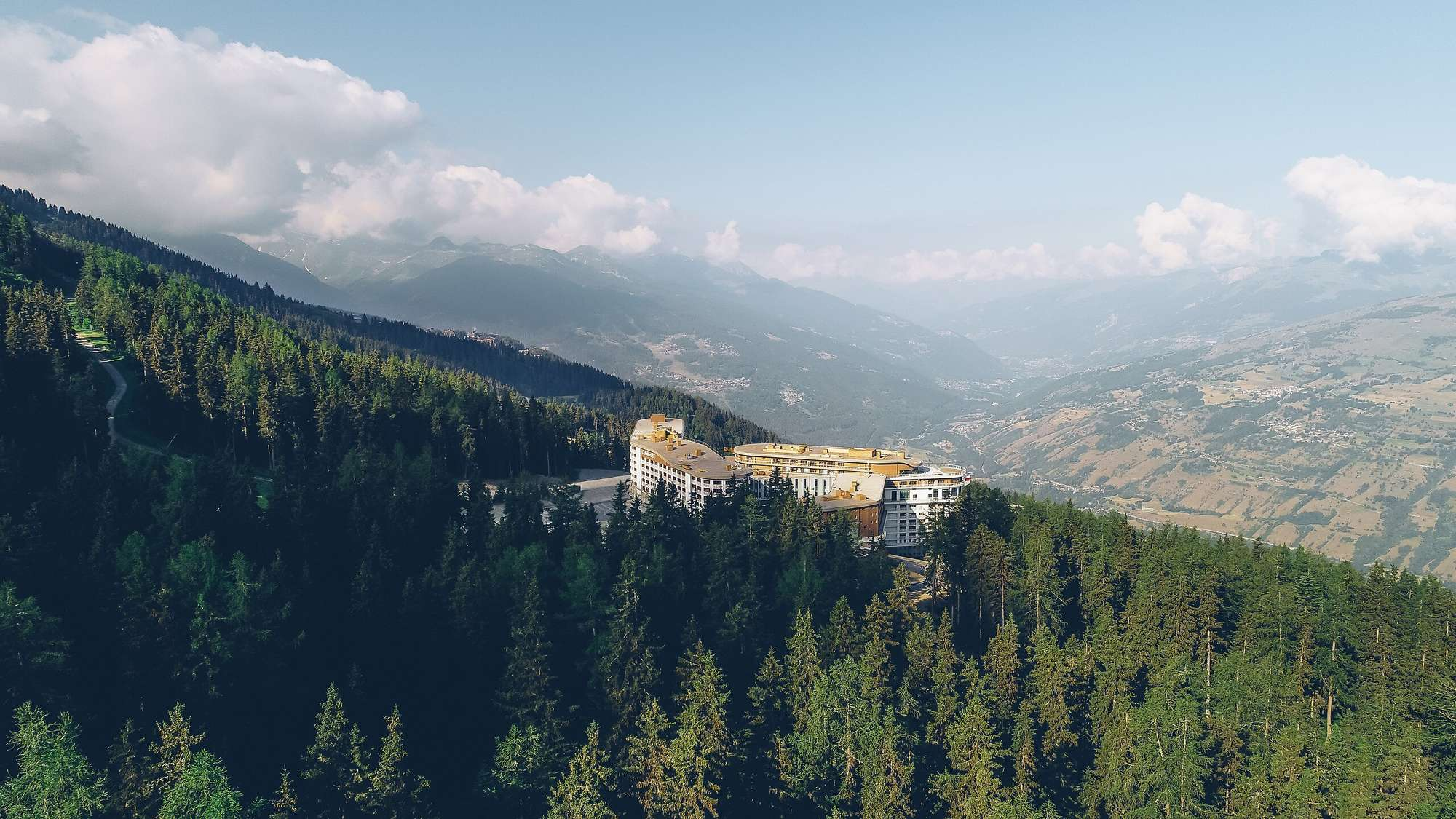 https___ns.clubmed.com_dream_RESORTS_3T___4T_Alpes_Les_Arcs_Panorama_172333-3cmxhvu1sf-swhr
